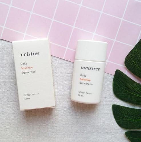 Kem chống nắng hằng ngày dịu nhẹ dành cho da nhạy cảm Innisfree Daily Sensitive Sunscreen SPF50+ PA++++ 50ml