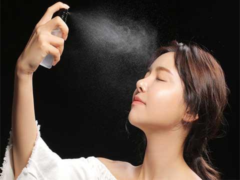 công dụng của xịt trị mụn Skin Fresh