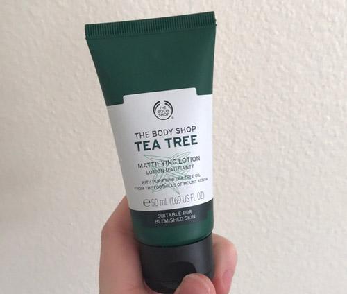 kem dưỡng ẩm the body shop tea tree skin mattyfying lotion cho da dầu mụn