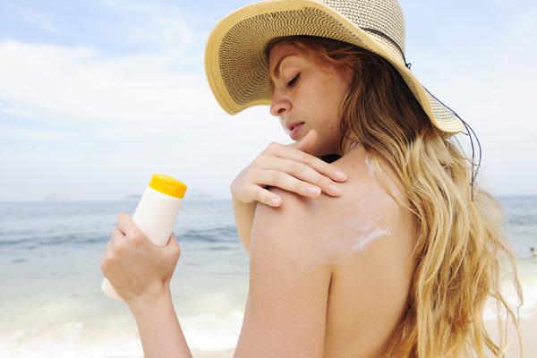bảo vệ da bằng kem chống nắng