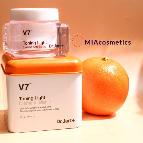 kem trị thâm và dưỡng sáng da v7 toning light drjart+