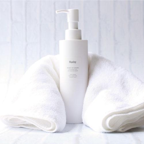 sữa rửa mặt dạng gel Huxley Secrect Of Sahara Cleansing gel
