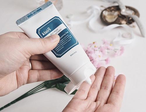 kem dưỡng ẩm cho da hỗn hợp klairs rich moist soothing cream