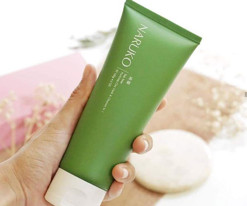 Sữa rửa mặt Naruko Tea Purifying Clay Mask and Cleanser