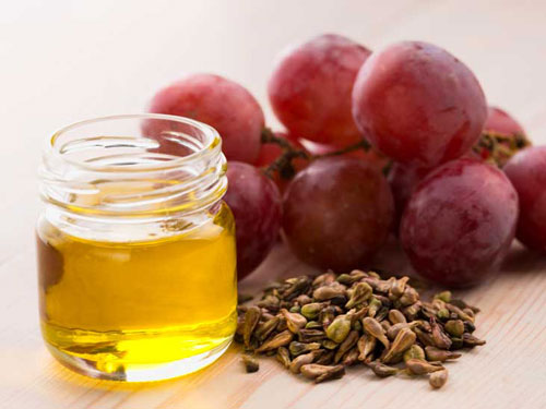 Sử dụng dầu hạt nho để trị thâm mụn hiệu quả