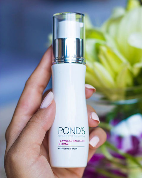 serum trắng da Pond's Flawless Radiance Derma Perfecting