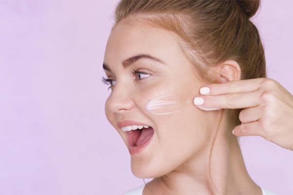 HA thúc đẩy làn da khỏe manh, tràn đầy sức sống