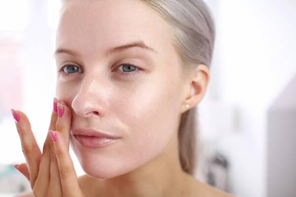 Hyaluronic Acid duy trì độ ẩm cần thiết cho da