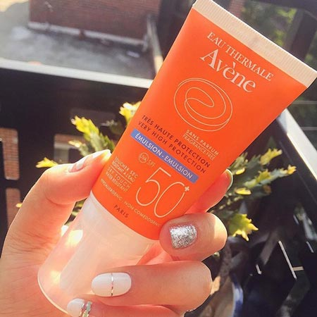 Kem chống nắng Avene Very High Protection Emulsion SPF50+
