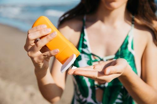 Sử dụng kem chống nắng hàng ngày