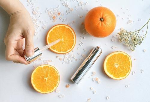 Không dùng cùng các sản phẩm niacinamide với vitamin C
