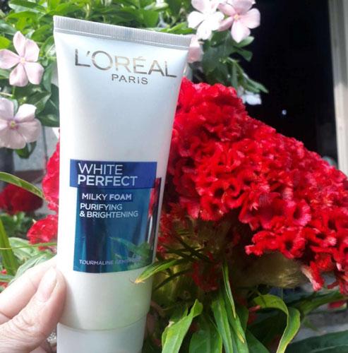 Sữa rửa mặt trắng da L'Oreal White Perfect