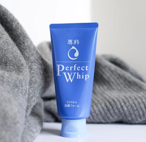 Sữa rửa mặt trắng da Senka Perfect Whip