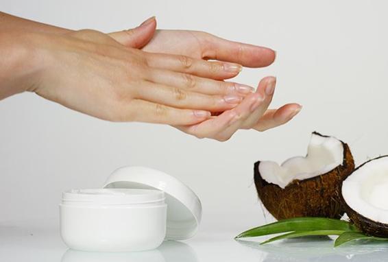 Cách dùng dầu dừa dưỡng da
