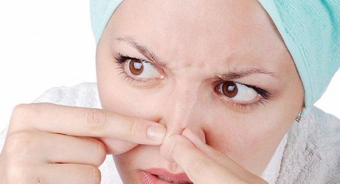 Rối loạn nội tiết tố dẫn đến tình trạng mụn cám xuất hiện nhiều