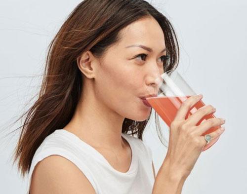 Nước uống collagen giúp cơ thể dễ hấp thu