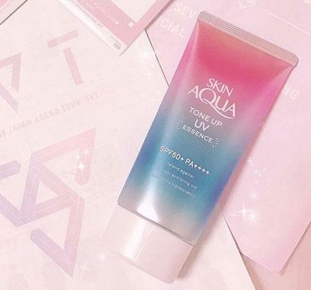 Kem chống nắng nhật bản Sunplay Skin Aqua Tone Up UV Essence SPF 50+/PA ++++