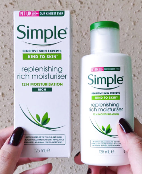 Thiết kế kem dưỡng Simple Kind To Skin Hydrating Light Moisturiser